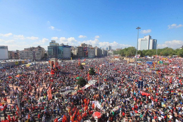 Le 31 mai 2013, la répression violente de... (PHOTO ARCHIVES AFP/MIRA)